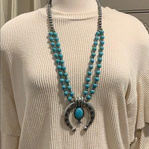 Jewelry - Western style necklace